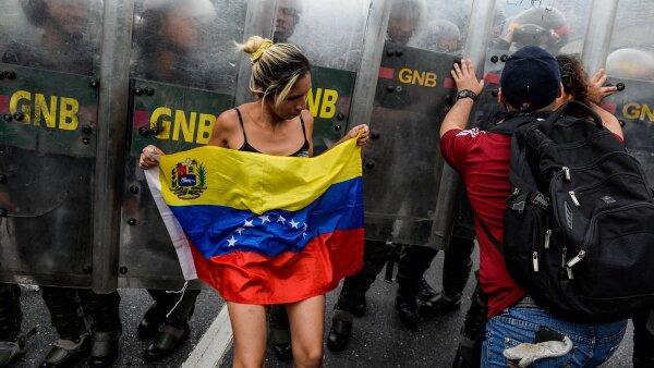 El estado de excepción a generado protestas de venezolanos.
