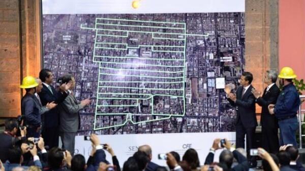 Pe�a Nieto y Mancera inauguran red el�ctrica subterr�nea del Centro Hist�rico