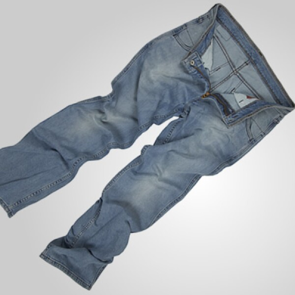 La firma pone especial atención en los  forros estampados para dar toques diferentes a los pantalones.