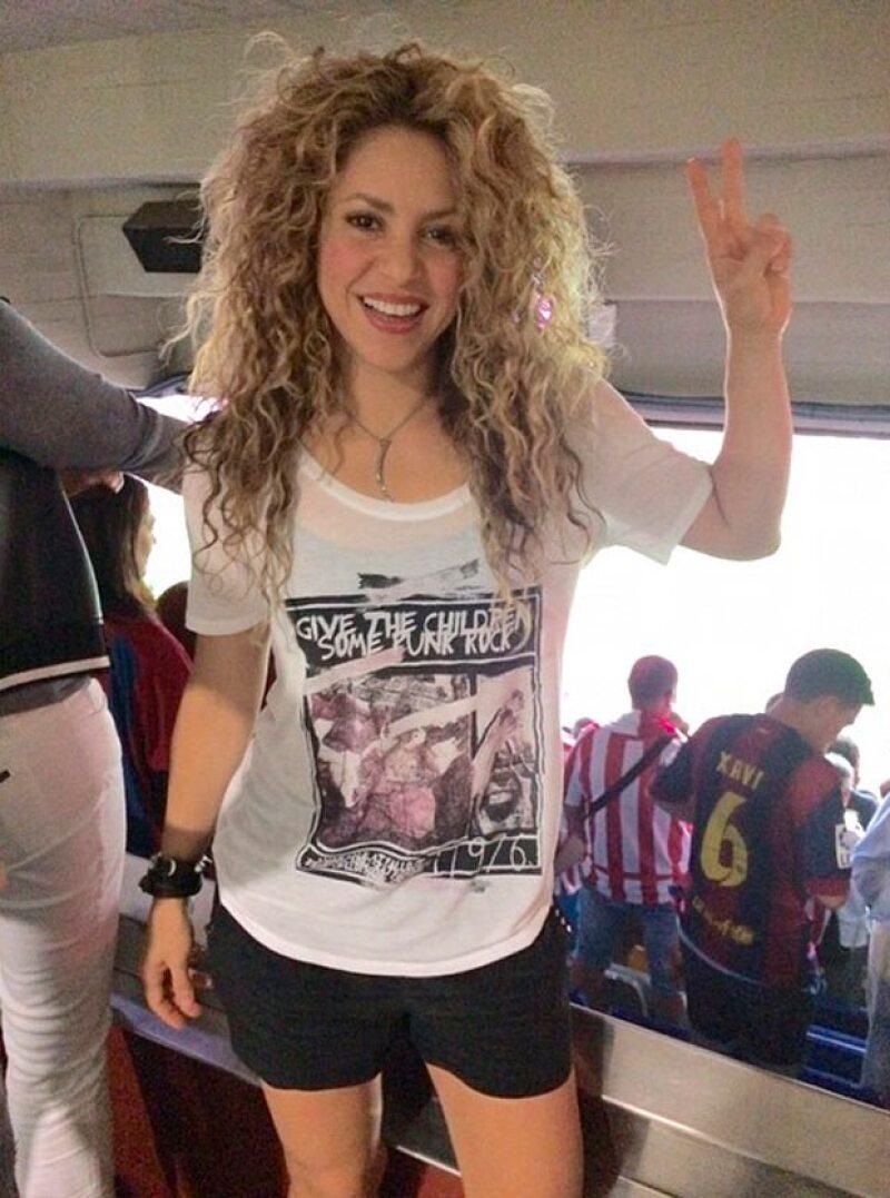 Shakira no pudo lucir mejor a unos meses de haber dado a luz a su segundo hijo, Sasha.