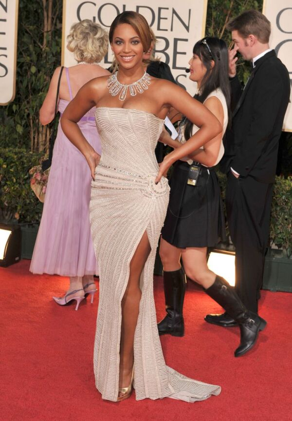 beyonce-arrives-at-the-66th-annual-golden-globe-awards-at-news-photo-1577745261