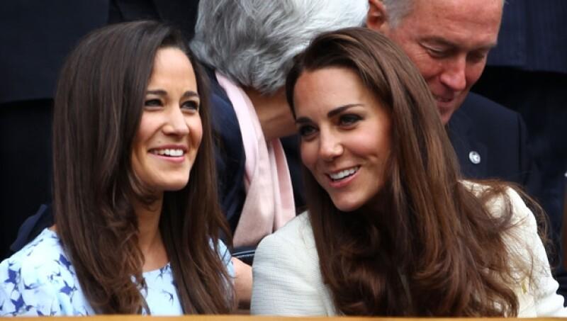 Kate con Pippa, quien se presume es mejor jugadora que la Duquesa.