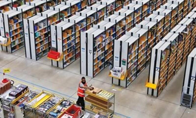 El almacén de Amazon tiene la extensión de nueve campos de futbol. (Foto: Reuters)