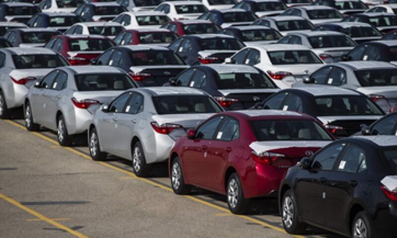 El llamado de Toyota se suma a los hechos recientemente por otras automotrices. (Foto: Reuters)