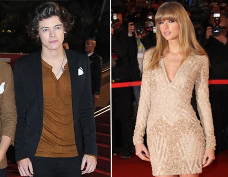 Styles desfiló por en la alfombra roja junto a sus compañeros de One Direction y Taylor Swift llegó 25 minutos después de la aparición de su ex.