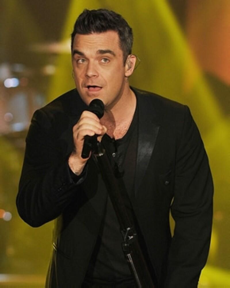 Robbie Williams sorprendió con su español.