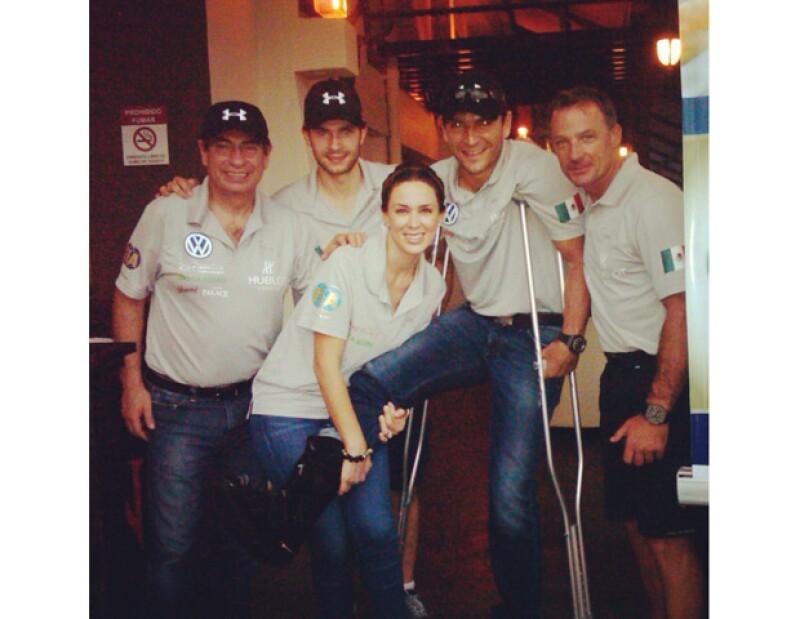 Martín Fuentes, esposo de la actriz mexicana, se fracturó el pie tras participar en una carrera de autos este fin de semana.
