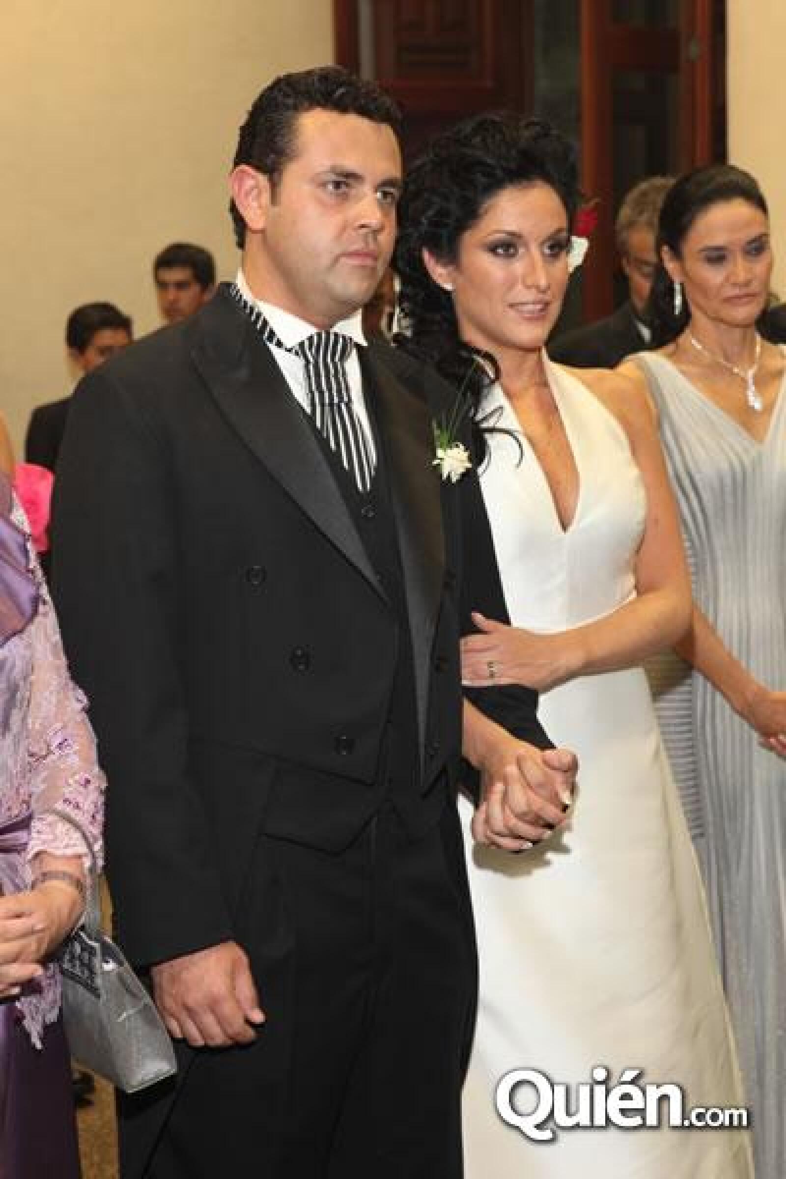 Guillermo Ochoa y Danielle Dithurbide