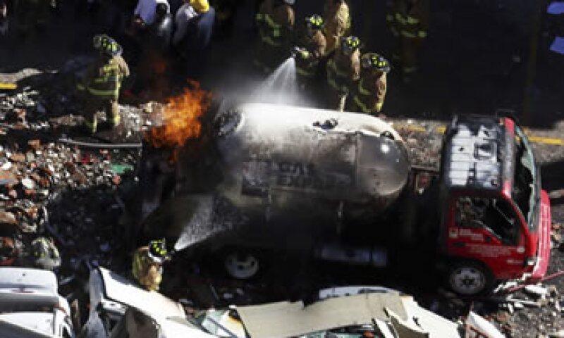 Una pipa de Gas Express Nieto explotó el jueves en un hospital de Cuajimalpa. (Foto: Cuartoscuro )