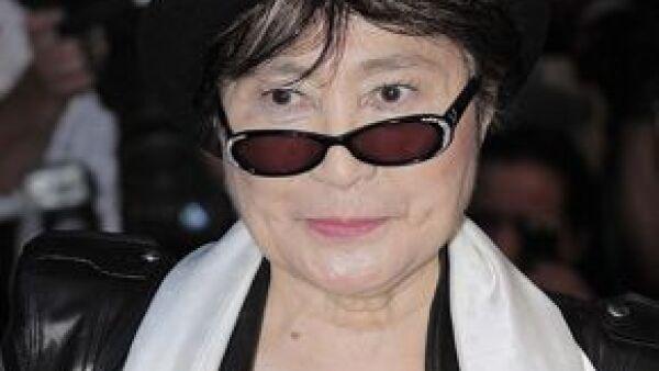 El gobierno chileno condecorará la próxima semana en Nueva York a la artista japonesa, viuda de John Lennon, y al filántropo estadunidense de origen húngaro, George Soros.