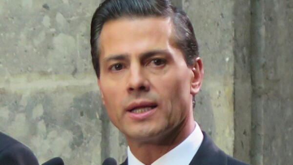 """Enrique Peña Nieto escribió: """"Estamos listos para recibirlo (Papa Francisco)""""."""