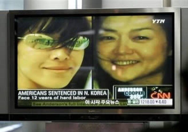 Las dos periodistas habían sido condenadas a 12 años de trabajos forzados por el Gobierno norcoreano. (Foto: AP)