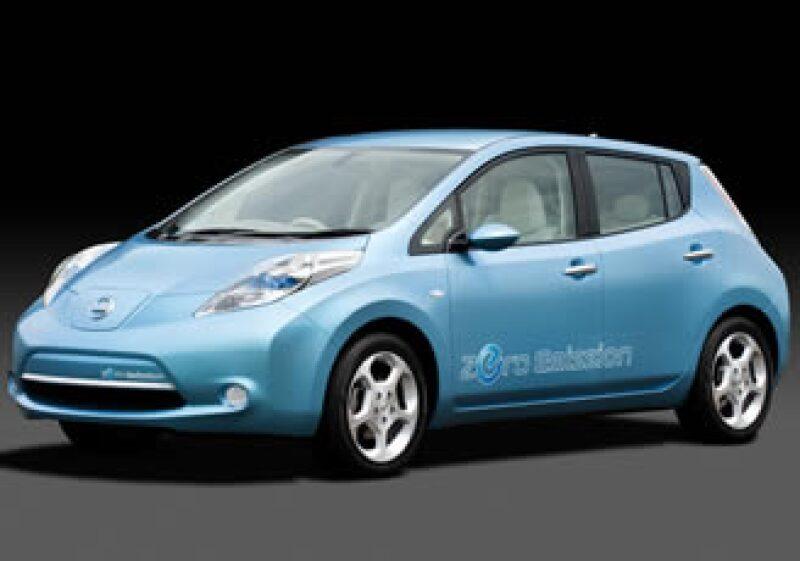 El auto ecológico, Leaf, se venderá en Europa, Japón y EU desde el 2012. (Foto: Cortesía Nissan)
