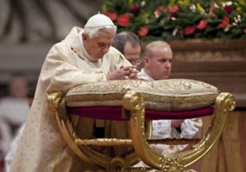Aparentemente el papa Benedicto XVI continuó el servicio sin problemas. (Foto: Reuters)