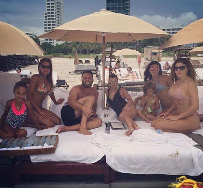 A través de redes, la mayor de las Kardashian ha compartido sus vacaciones.