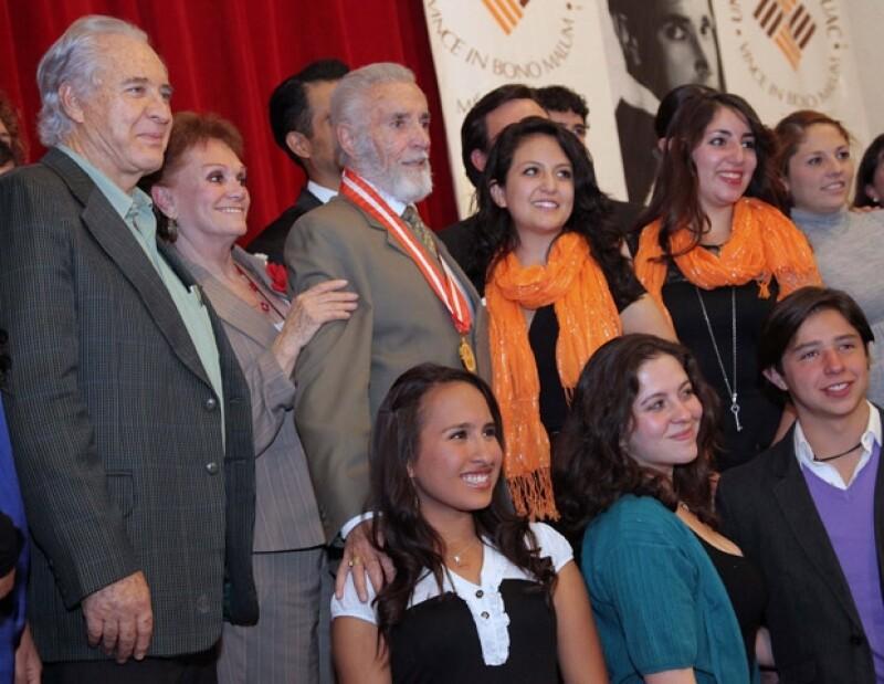El actor Rogelio Guerra estuvo presente en el homenaje a su querido amigo Julio Alemán.