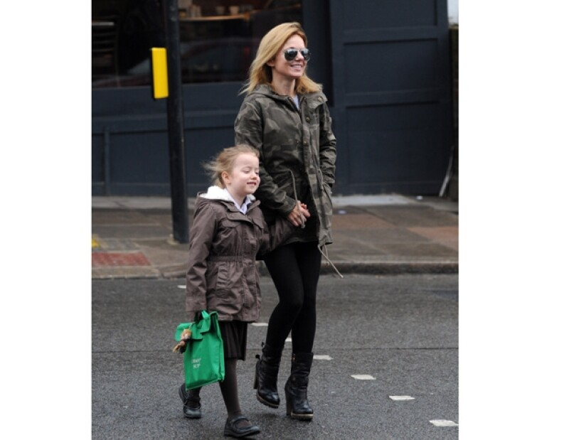 La ex Spice Girl suele salir a parques a divertirse con su hija.