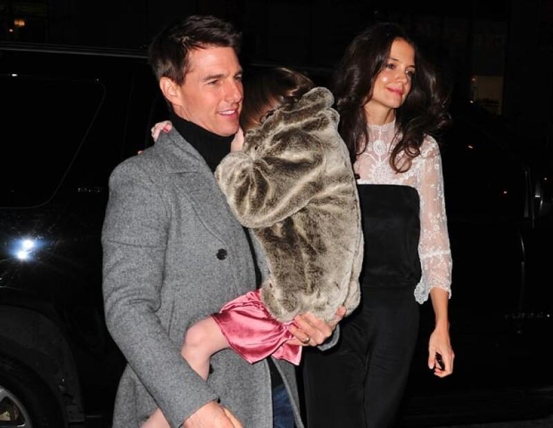 Tom Cruise, Suri y Katiel Holmes.