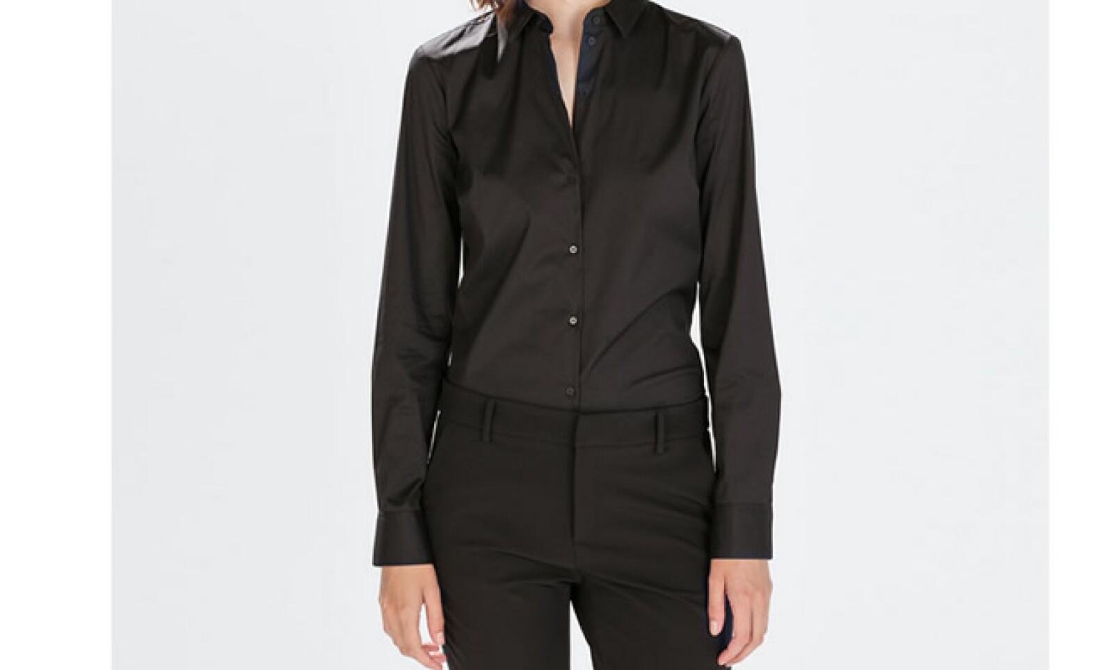 Las camisas son la pareja clásica para un traje sastre. Elige las de manga larga y un ajuste a tu medida.