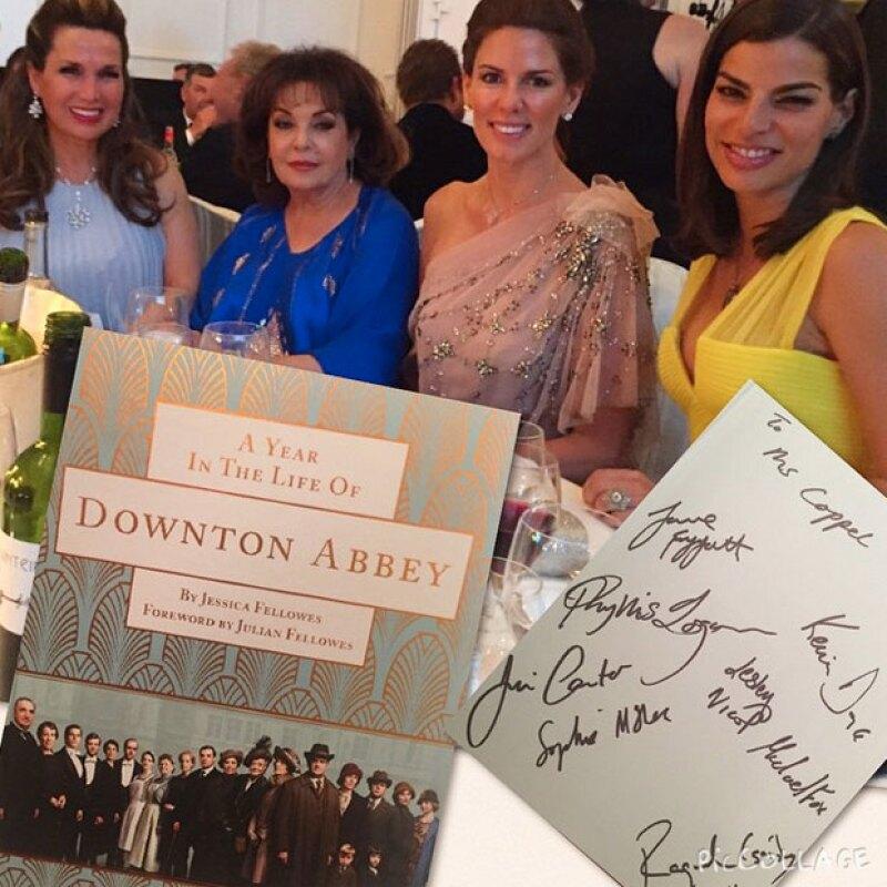 Bárbara estuvo acompañada en la mesa por Baria Alamuddin, mamá de la esposa de George Clooney, Amal.