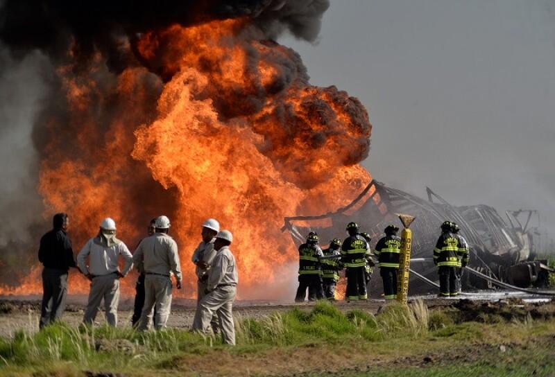 Incendio en toma clandestina de hidrocarburos