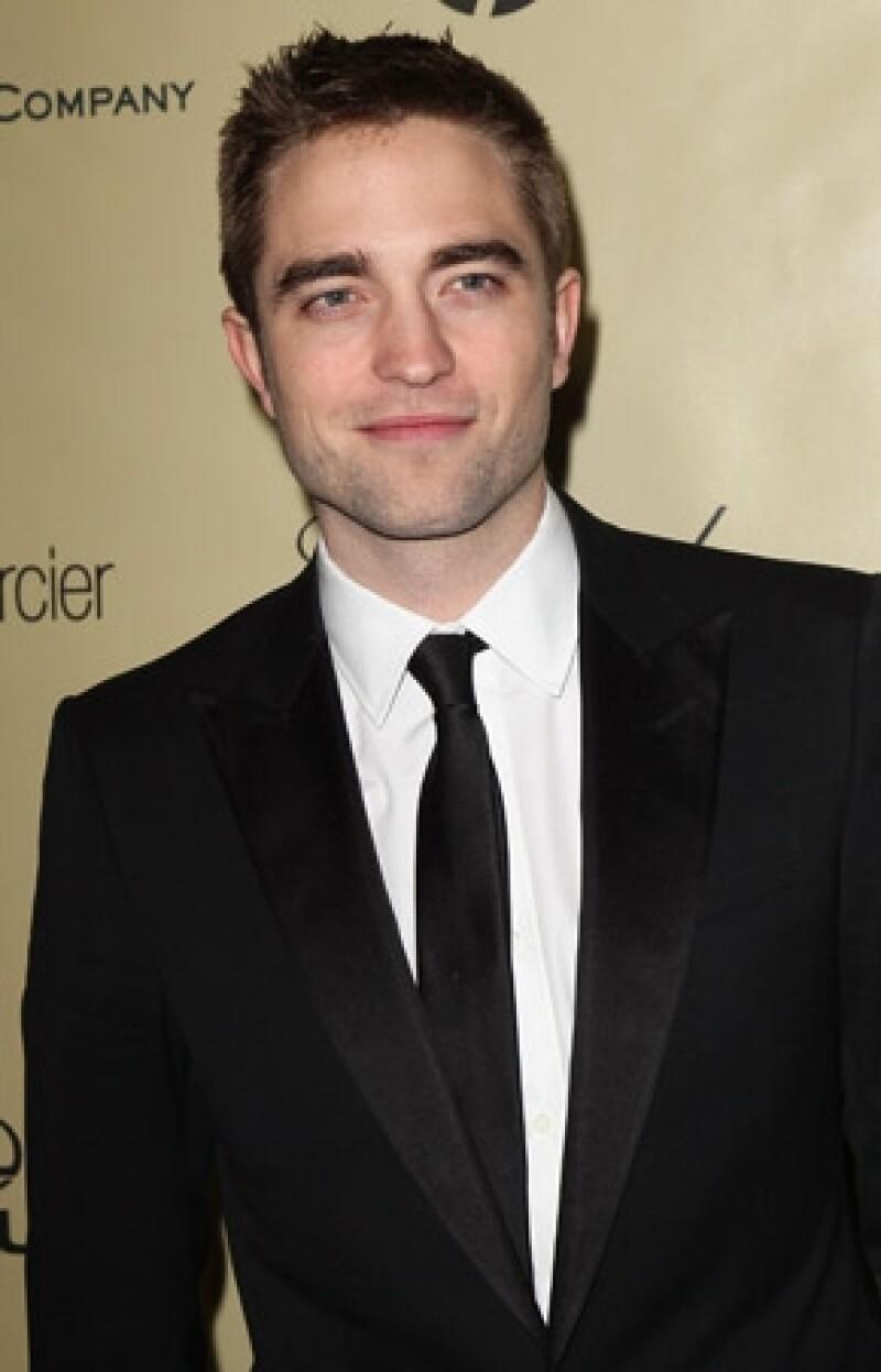 Según fuentes cercanas al actor, él siempre quiso dedicarse a la música pero como comenzó a tener éxito en Hollywood la abandonó.
