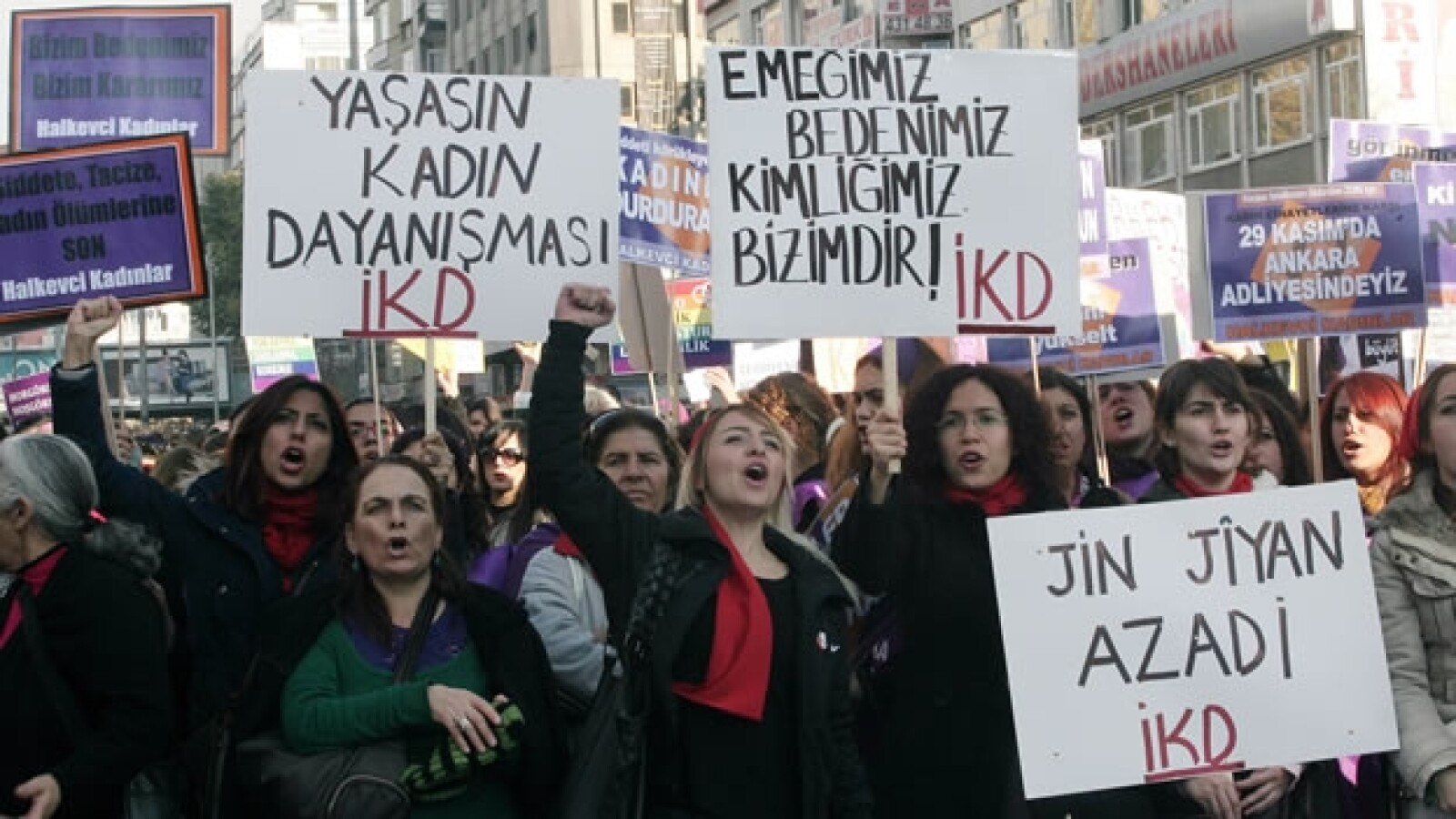 Mujeres protestan contra la violencia