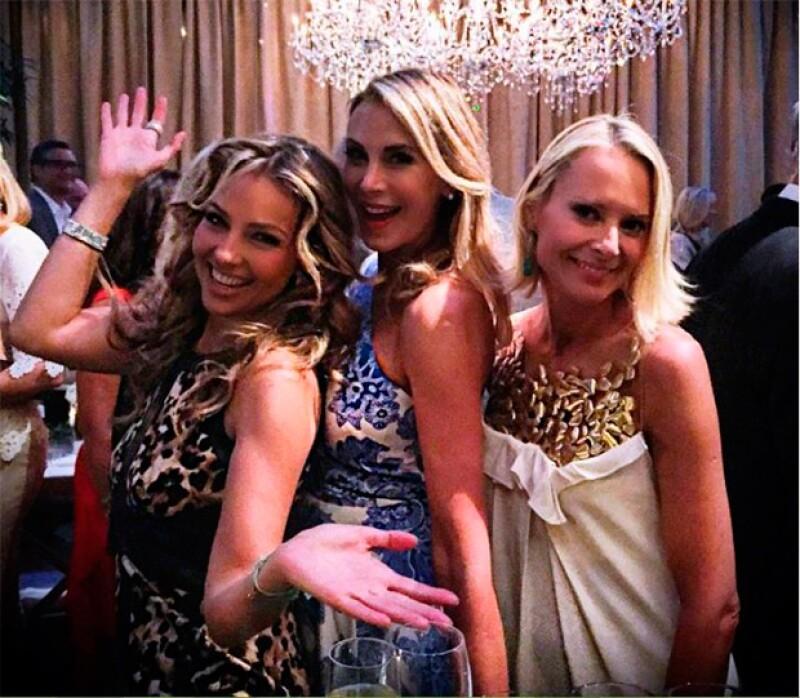 Thalía junto a sus amigas Dee Ocleppo y Louise Camuto.