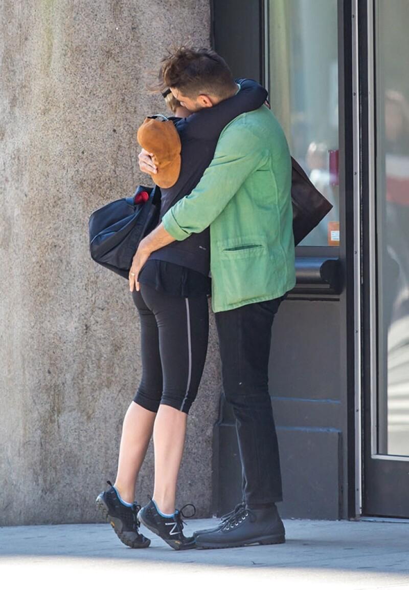 La pareja fue vista despidiéndose apasionadamente cuando ella se dirigía al gimnasio.