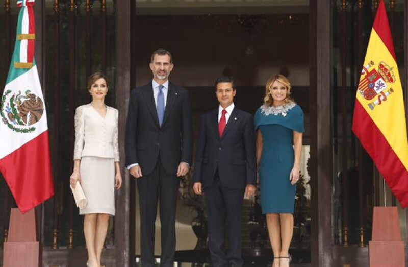 En su tercer evento oficial, Felipe y Letizia de España se reunieron con el presidente en la Residencia Oficial de los Pinos, donde intercambiaron palabras, entre otras cosas.