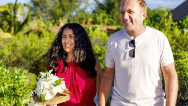 Salma Hayek renueva sus votos de matrimonio