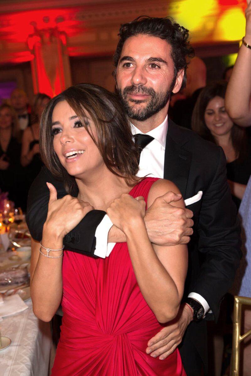 La actriz se confiesa completamente enamorada del empresario mexicano a pesar de que todavía no se plantea la idea de casarse con él.