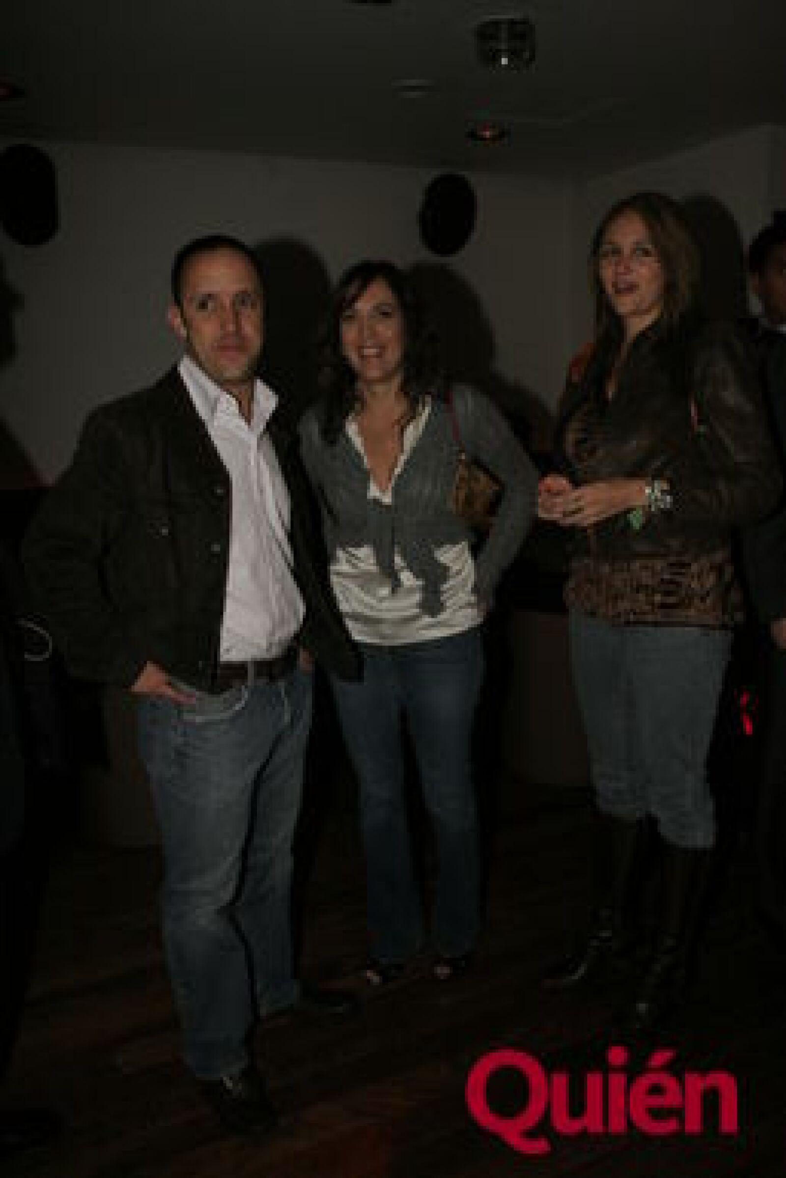 Alejandro Fernández, Paulina Anales, Mónica Gómez