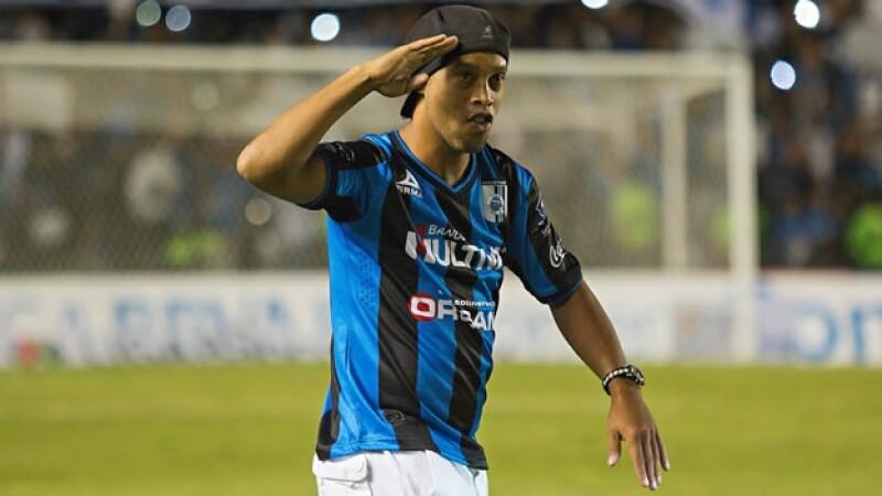 Ronaldinho presentacion estadio