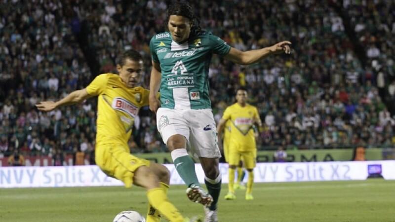 Carlos 'Gullit' Peña Paul Aguilar América vs León juego de ida