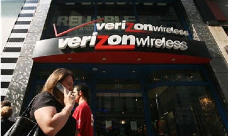 Verizon tiene una alianza con AT&T y T-Mobile USA que permite a los usuarios hacer pagos a través de sus teléfonos. (Foto: AP)