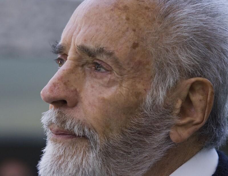 El actor se encuentra hospitalizado, en terapia intermedia, debido a que sufrió una infección pulmonar, informó su hijo Martín Méndez.