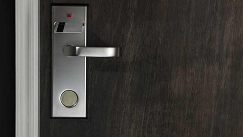 puerta hotel habitacion tarjeta electronica