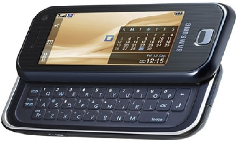 El teléfono F700 de Samsung fue rechazado como evidencia en el juicio. (Foto tomada de tech.fortune.cnn.com)