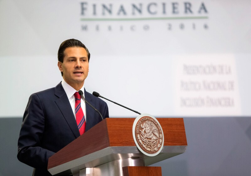 """El """"choque"""" desatado por la reforma educativa, impulsada por el gobierno de Enrique Peña Nieto, ha dejado varios muertos, cientos de heridos y líderes sindicales detenidos. Aquí, un recuento."""
