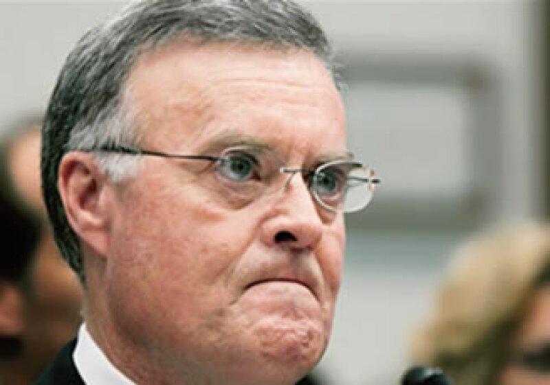 Kenneth D. Lewis, quien fuera presidente y consejero delegado de Bank of America, fue obligado a dimitir tras las pérdidas millonarias que reportó la institución al estallar la crisis financiera internacional. (Foto: AFP)