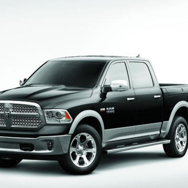 La otra presentación de Chrysler fue la pickup Ram 1500, que cuenta con una transmisión automática de ocho velocidades, suspensión neumática y un sistema start/stop.