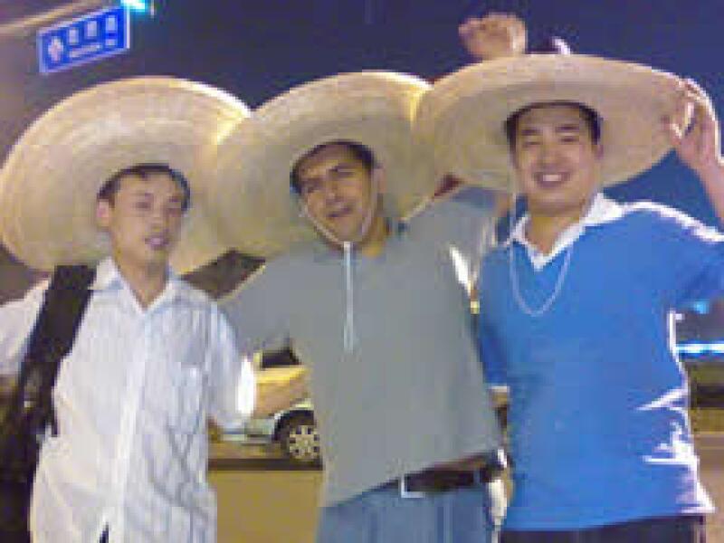 El empresario recibió el apoyo de la comunidad china. (Foto: Carlos Vera)