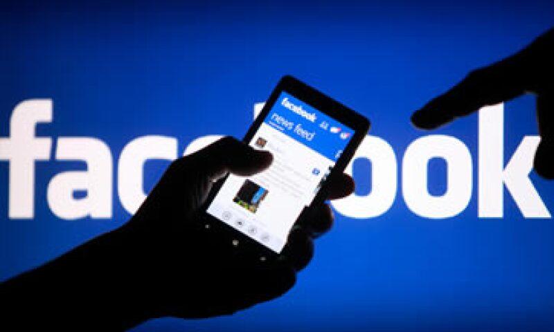 México, EU e Inglaterra son algunos de los países en donde más comentan los usuarios de Facebook.  (Foto: Reuters)