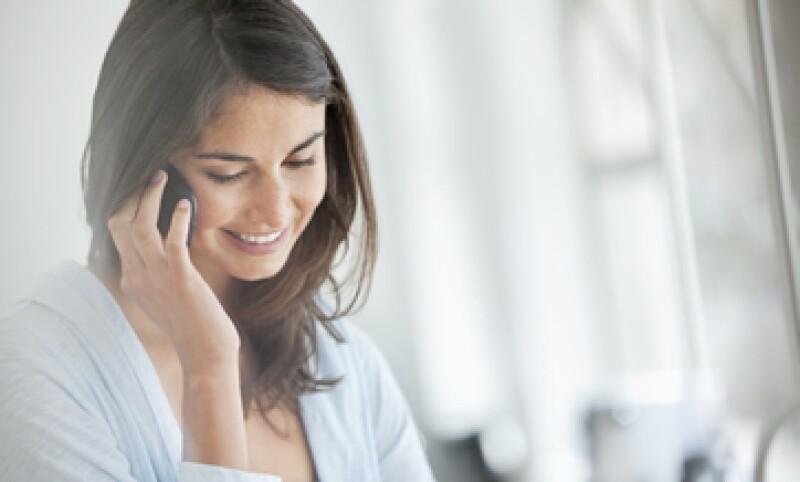 La preferencia por celulares  y el uso de banda ancha ha llevado a las empresas a empaquetar estos servicios con la telefonía fija. (Foto: Getty Images)