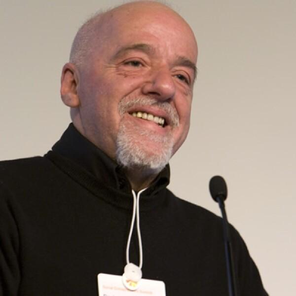 El escritor brasileño, durante su participación en la sesión de 2008 que trató sobre emprendedores y los mercados de conexión.