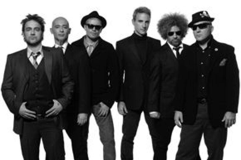 A casi un año de su regreso a los escenarios, el grupo originario de Buenos Aires, retorna a este país con su gira que arrancó en la capital mexicana en el Foro Sol, el 5 de noviembre del 2008.