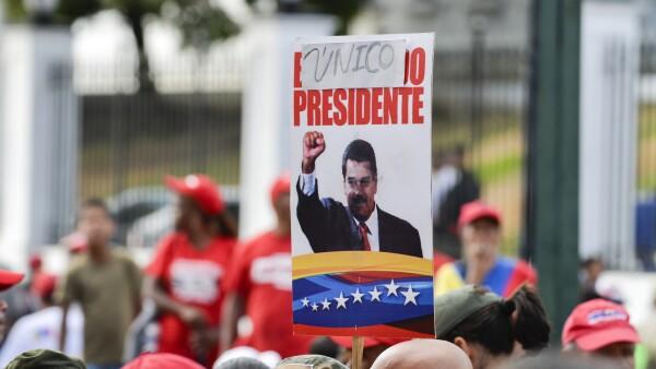 Tanto opositores como chavistas se toman las calles en Venezuela
