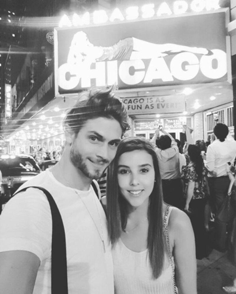 """La actriz agradeció a Horacio Pancheri por acompañarla en su cumpleaños 25, además de disfrutar la obra """"Chicago"""" protagonizada por Jaime Camil."""