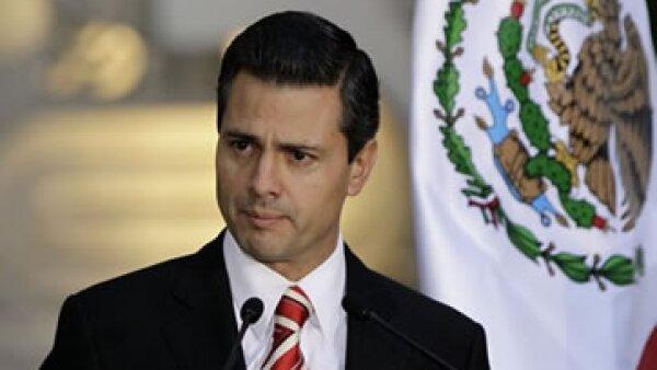 Gerardo Ruiz, quien se perfila para ser el secretario de Comunicaciones y Transportes en la administración de Peña Nieto, fue director de Administración en la Comisión Federal de Electricidad, así que no es ajeno a temas de redes y telecomunicaciones. (Fo